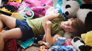 comment ranger sa chambre le plus vite possible apprendre à enfant à ranger sa chambre peut être ludique l