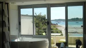 hotel ile de avec dans la chambre chambre avec terrasse perso et balnéo photo de hotel bellevue