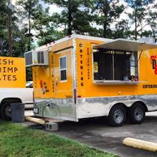 D&D Fins And Tails - Houston Food Trucks - Roaming Hunger