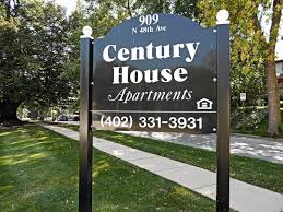 100 Century House Apartments Apts