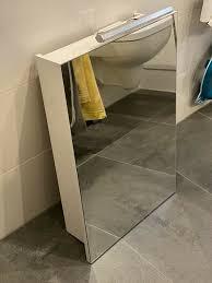 badezimmer spiegelschrank mit led steckdose