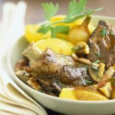 cuisiner un coq coq au vin cuisine plurielles fr