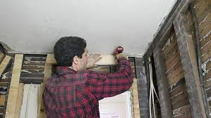 Hanging Drywall On Ceiling Or Walls First by How To Hang Drywall Ceilings By Yourself 12 Steps With Pictures