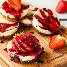 Chocolate Cover Strawberry Cheesecake Cupcakes