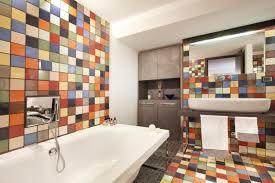 badezimmer fliesen lackieren 37 ideen für motive muster