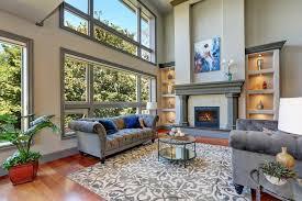 wohnzimmer grau weiß streichen schöne ideen