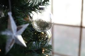 Shells Christmas Tree Farm by 16 Diy Ornaments You Can Make In Time For Christmas That Are