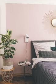 quarto cama box e parede rosa decko ideen