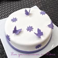 deco gateau en pate a sucre gâteau simple en pâte à sucre vanille et curd framboise les