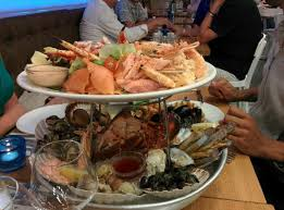 plateau bar cuisine plateau deluxe for 2 fruit de mer for 2 and another plateau for