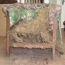 rénover canapé restaurer un fauteuil restaurer un canapé upholsterer