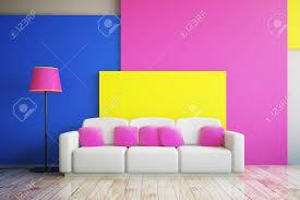 vibrant rosa blau und gelb wohnzimmer interieur mit großen sofa und stehle 3d rendering