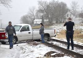100 Truck Tracks Gets Stuck On The Tracks News Sports Jobs Messenger News