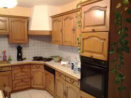 cuisine rustique chene rénover une cuisine comment repeindre une cuisine en chêne mes