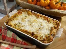 Rachael Ray Pumpkin Lasagna by Best 25 Sausage Lasagna Ideas On Pinterest Lasagna Classic