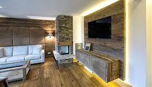 wohnzimmer mit klinkerstein ud holzwand jpg 820 470