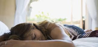 schlafen bei hitze tipps um in heißen nächten besser zu