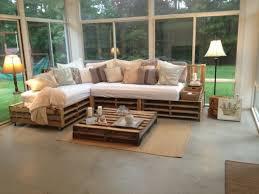 canapé en palette de bois comment fabriquer un canapé en palette tuto et 60 idées