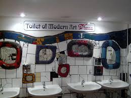 bild hundertwasser toilette zu hundertwasserhaus wien in wien
