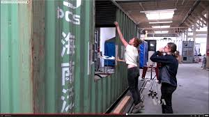 100 Living In Container In A Shipping