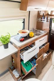 camion équipé cuisine fourgon aménagé lits jumeaux v630j pilote foxy cuisine