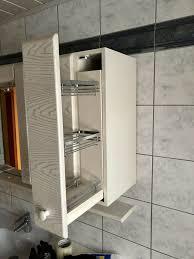 badezimmerschrank mit viel stauraum