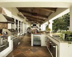 10 Contemporary Outdoor Kitchen Ideas