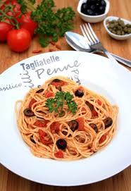 pates a la puttanesca recette de spaghetti alla puttanesca la recette facile