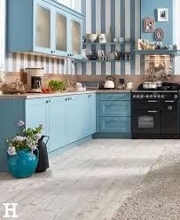 der landhausstil bringt gemütlichkeit in die küche küche