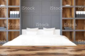 weißen bett schlafzimmer und homeoffice bücherregal unschärfe stockfoto und mehr bilder architektur