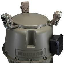 Moultrie 30 gallon Pro lock Feeder Feeders at