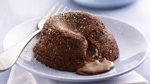 6 resep lezat lava cake untuk pemula cokelatnya lumer di