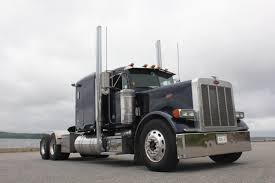 2004 Flat Top Peterbilt 379, 475 Cat Motor, 280