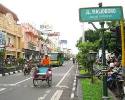 Malioboro Is A Must Visit While In Yogyakarta The Central Gathering Of Artists From Various Universities Young Men And Women