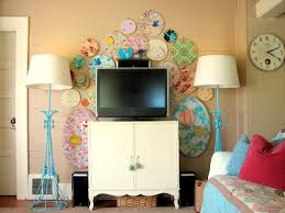 Tuscan Decorative Wall Plates by Decorate Your Tv Wall Home Decorating Ideas