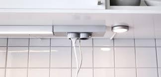 reglette cuisine avec prise eclairage cuisine led clairage indirect eclairage sous