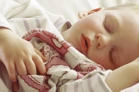 a quel age bébé dort dans sa chambre le sommeil de bébé les premiers mois guide maman bébé