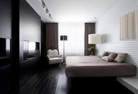 moderne wohnung moskau schlafzimmer schwarz matt kamin beige