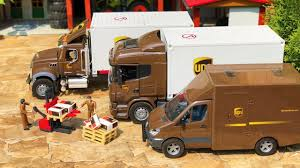 BRUDER NEWS UPS TRUCK In Action! RC LKW Toys Video For Kids! - YouTube