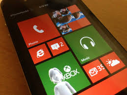 Paragon Brings Windows Phone 8 UI to your iPhone Dreamboard Theme