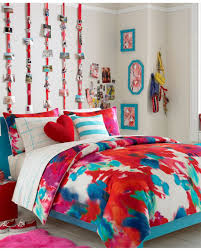 Marvellous Teenage Wall Decor Art Ideas Abstract Blanket Color With Pillow And