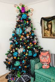 A Dozen Ideas For How To Decorate Black Christmas Tree Halloween Jennifer Perkins