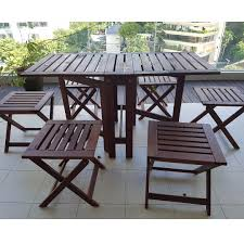 Outdoor Folding Table & 6 Chairs (plus 6 Pillows)