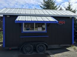 Things You Need To Know Before Buying A Food Truck - Blue Moose BBQ Tampa Area Food Trucks For Sale Bay Used Truck New Nationwide Bangkok Thailand February 2018 Stock Photo Edit Now The 10 Most Popular Food Trucks In America Woman Is Buying At Truck York License For 4960 Home Company Ploiesti Romania July 14 Man Buying Fresh Lemonade From People A Hvard Square Cambridge Ma Tulsa Rdeatlivecom Blog Rv Buying Guide Narrowing Down Your Type Go Rving Customers Bread From Salesman Parked On City