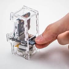 Mini Arcade Cabinet Kit Uk by Tiny Arcade Miniature Arcade Cabinet Thinkgeek