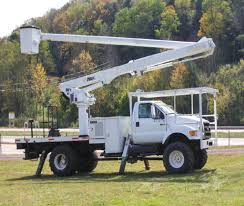 2004 FORD F750 4X4 PUDDLE JUMPER BUCKET BOOM TRUCK FOR SALE #583001