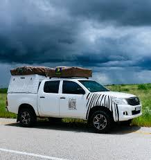 Toyota 4WD (4 Berth) 2 Roof Top Tents Zebra 4WD Rentals   Zebra Campers