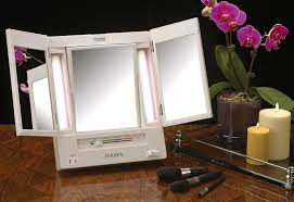 jerdon tri fold two sided lighted makeup mirror with