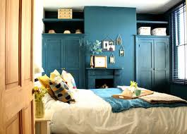 bleu chambre chambre bleu canard et fauteuil bleu canard mode and deco com