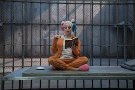 Halloween Wars Season 5 Host by Margot Robbie Hosting Snl Season Premiere Collider